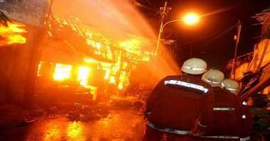Kios Burung Pasar Gede Cilacap Terbakar