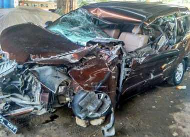 Toyota Avanza Kecelakaan di Tol Fatmawati Arah Serpong