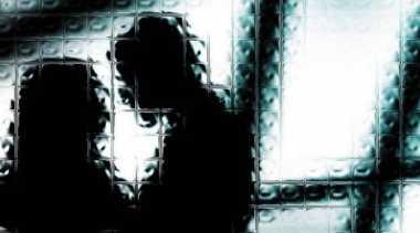 Tepergok Ngamar dengan PIL, Pejabat Perempuan Terancam Dipecat