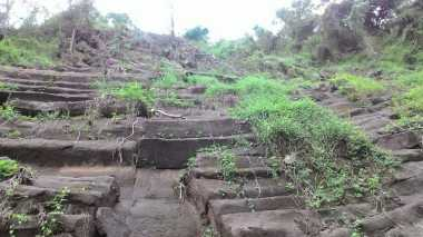 Bebatuan di Lokasi Longsor Purworejo Bukan Candi, Ini Penjelasannya