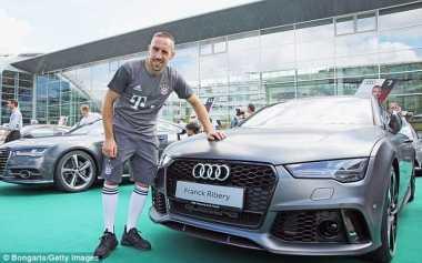 Mobil-Mobil Audi Baru untuk Bayern Munich, Ancelotti Dapat Sportcar R8