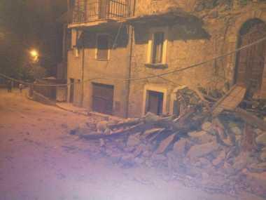 Italia Diguncang Gempa, Tiga Perempat Warga Tinggalkan Kota