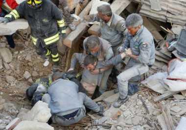Gempa Italia Telah Tewaskan 73 Orang