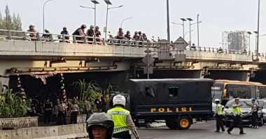 200 Bambu Runcing dan Pentungan Diamankan Polisi di Kampus Trisakti