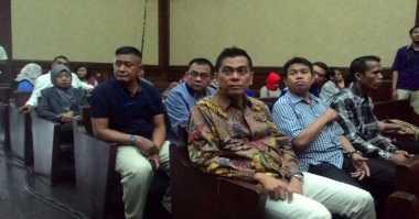 M. Taufik Dampingi Sanusi Jalani Sidang Perdana di Pengadilan Tipikor