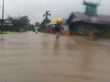 Banjir Capai 70 Cm, Warga Kota Padang Mengungsi