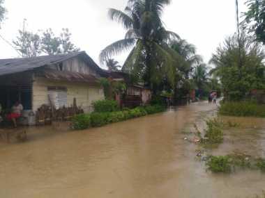 Korban Banjir Kota Padang Mulai Terserang Penyakit