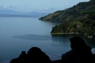 Revitalisasi Danau Toba, Bebaskan Dulu Tanah Adat dari Konsesi Perusahaan