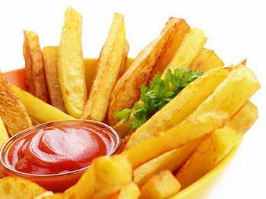 Ternyata Junk Food Mempercepat Penuaan Dini Lho!