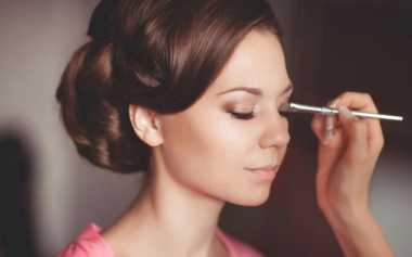 Ini Cara untuk Membuat Make-Up Tahan Lama
