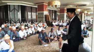 Para Profesor Indonesia Diterjunkan ke Tanah Suci