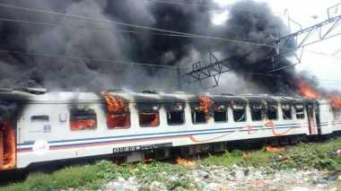 Gerbong Kereta Kertajaya yang Terbakar Belum Terisi Penumpang