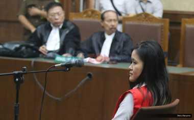 Kuasa Hukum Jessica Persoalkan CCTV Dijadikan Alat Bukti