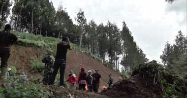 Pelapis Tebing Ambruk Diterjang Longsor, Asrama TNI Terancam