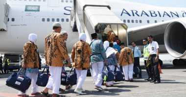 Terjadi Kerusakan Pesawat, Keberangkatan 445 Calhaj asal Surabaya Ditunda