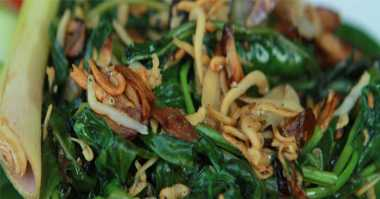 Lauk Praktis Makan Malam, Bikin Kangkung Teri Aja Yuk