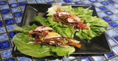 Kawinkan Spanyol-Padang, Mahasiswa Spanyol Bikin Salad Dendeng Kering