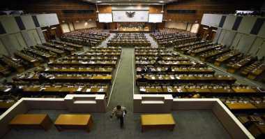 Menimbang Untung Rugi Pembangunan Sekolah Parlemen