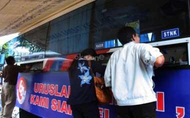 Ratusan Orang Tertipu Pengurusan SIM & Uji Kir Gratis di Monas