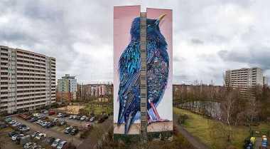 Burung Ini Terpampang di Gedung Terindah di Jerman