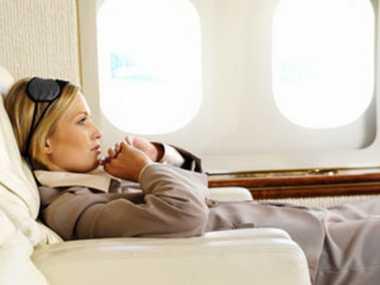 Kulik 4 Tips Mencegah Mual saat di Pesawat