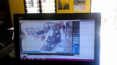 Pencuri Bercadar Bobol Minimarket, Pemilik Rugi Rp20 Juta