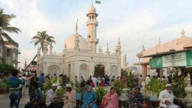 Pengadilan India Bolehkan Perempuan Masuk Masjid