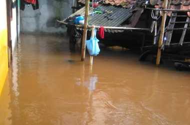 Banjir Jakarta Selatan, Warga Kebagusan Mengungsi ke Musala