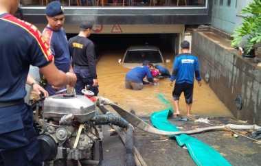 Banjir, Pengamat: Ahok Berani Enggak Segel Gedung di Kemang?