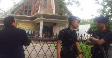 Foto-Foto Peristiwa Percobaan Bom Bunuh Diri Gereja Medan