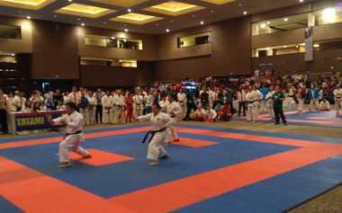 Karateka Indonesia Tumbang dari Karateka Jepang di Babak Final SKIF 2016