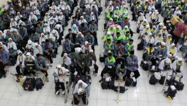 270 Jamaah Calon Haji Asal Bogor Diberangkatkan ke Tanah Suci