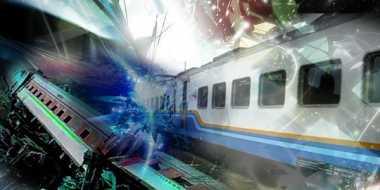 Diduga Kelebihan Muatan, Truk Ditabrak Kereta Api