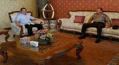 TOP NEWS: Foto Gading Gajah di Ruang Tamu Pak Rektor Bikin Geger