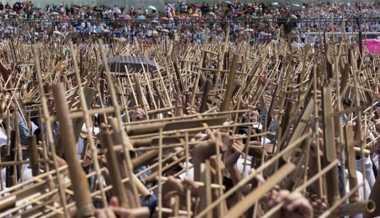 Datang ke Jepang, Menpar Arief Yahya Bawa 1.000 Angklung