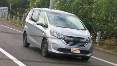 Tanpa Kamuflase, Honda Freed Terbaru Tepergok di Jalan Raya