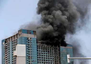 Api Hanguskan Gedung yang Tengah Dibangun di Dubai