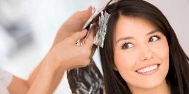 Rambut Diwarnai Sebaiknya Hindari Sampo Anti-Ketombe, Ini Alasannya!