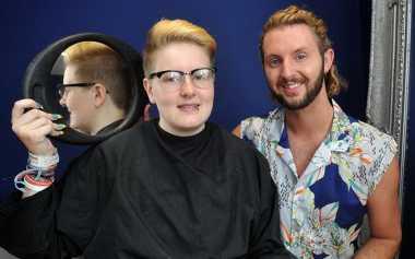 Barbershop di Inggris Tolak Pangkas Rambut Remaja Transgender