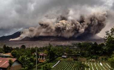Gunung Sinabung Tiga Kali Erupsi dalam Waktu 11 Menit