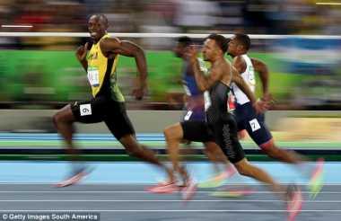Untuk Ketujuh Kalinya Bolt Kepergok Berpesta dengan Wanita Seksi