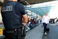 Seorang Perempuan Diduga Jadi Penyebab Bandara Jerman Ditutup