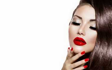 Ingin Punya Bibir Merah Merona? Coba Pakai Bahan Alami Ini!