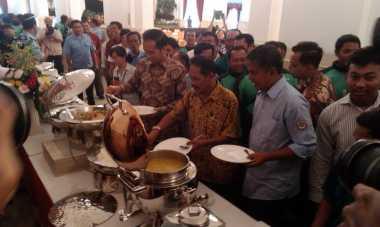 Jokowi Mendadak Ajak Wartawan Makan Siang Bersama