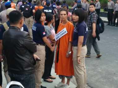 Rekonstruksi Pembunuhan Aipda Wayan, David-Sara Peragakan 68 Adegan