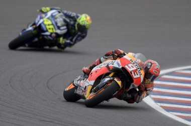 Tak Ingin Cari Alasan, Rossi Fokus Kejar Marc Marquez