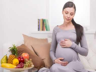 Rajin Makan Buah Selama Hamil Meningkatkan Kecerdasan Bayi