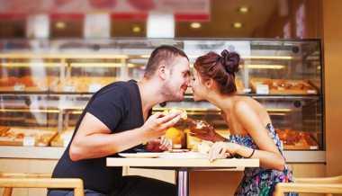 Hubungan Romantis Bisa Bikin Tidur Lebih Nyenyak