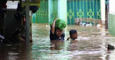 Banjir di Cipinang Melayu Mencapai 2 Meter