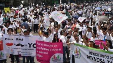 Ribuan Warga Meksiko Demo Tentang Pernikahan Sejenis